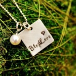 bloglove necklace moss
